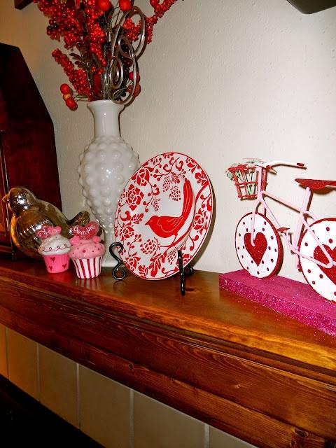 valentines day mantel decor ideas 5 65 вещей, способных сделать день всех влюбленных 14 февраля действительно особенным