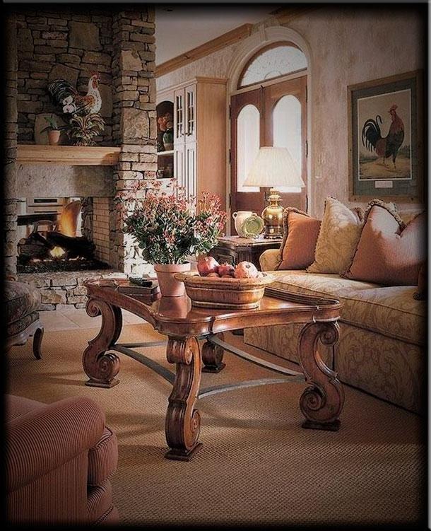 Интерьер гостиной с камином в стиле кантри