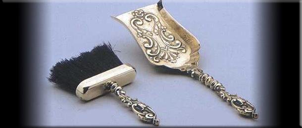 совок и щетка из бронзы